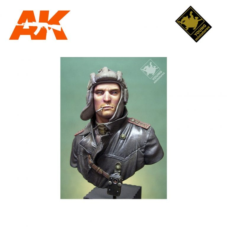 YM YM1823 SOVIET TANK COMMANDER 1944 AK-INTERACTIVE YOUNG MINIATURES