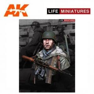 Life Miniatures LM-B008