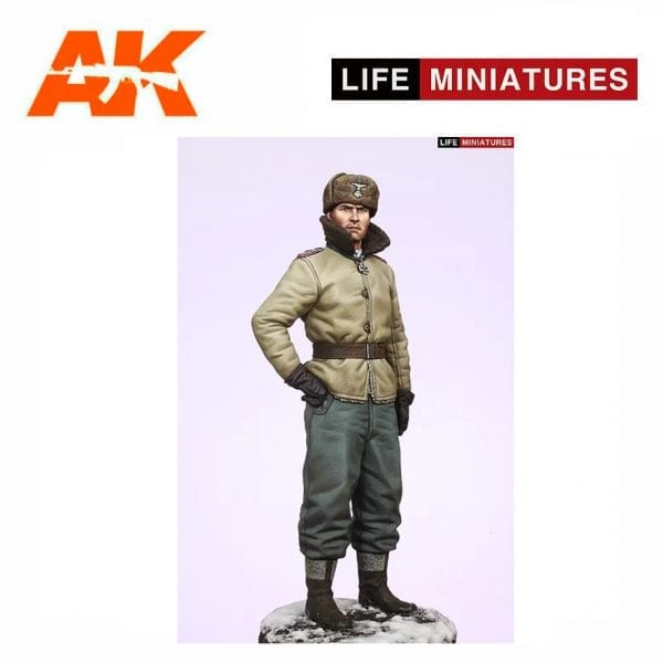 Life Miniatures LM-16002